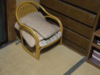 1-1この椅子?