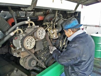 2-2バスのエンジン