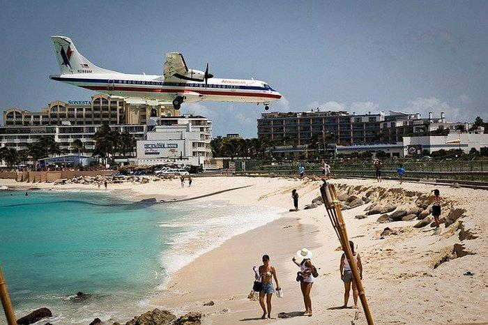 Close_Up_Beach_Close_Up_Ariport_Maho_beach_in_St_Martin_14.jpg