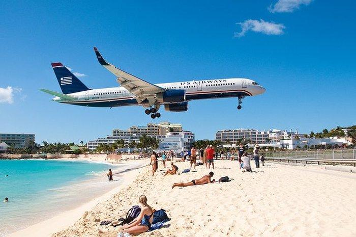 Close_Up_Beach_Close_Up_Ariport_Maho_beach_in_St_Martin_19.jpg