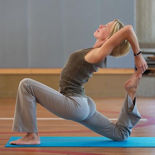 Girls_teach_Yoga_for_You_17.jpg