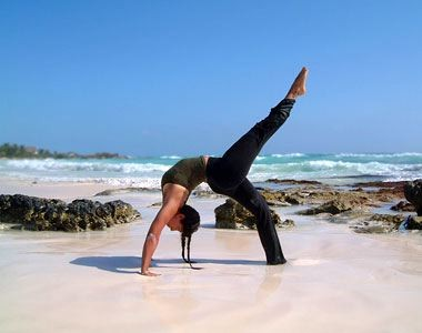 Girls_teach_Yoga_for_You_3.jpg