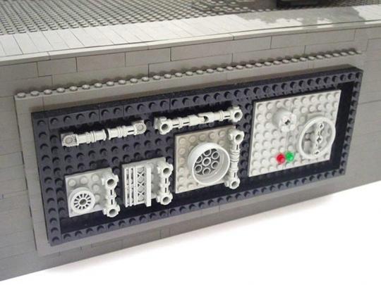 LEGO_by_Nathan_Sawaya_2__15.jpg