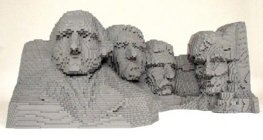 LEGO_by_Nathan_Sawaya_2__2.jpg