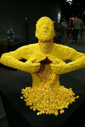 LEGO_by_Nathan_Sawaya_3__5.jpg