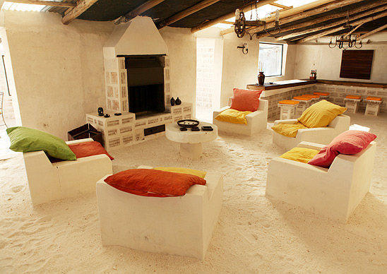Most_Bizarre_Hotels_of_the_World_6.jpg