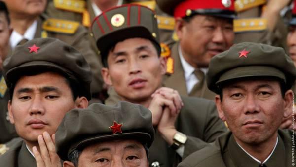 Parade_in_Pyongyang_North_Korea_11.jpg