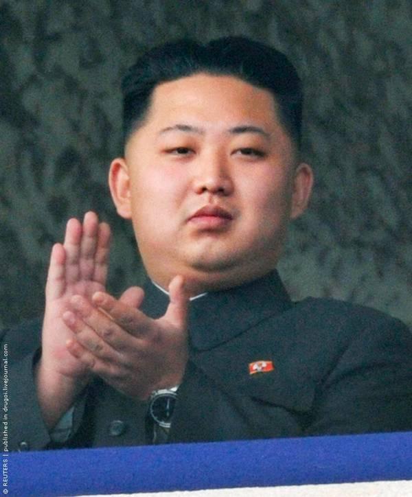 Parade_in_Pyongyang_North_Korea_13.jpg