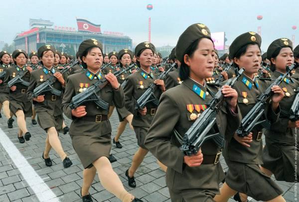 Parade_in_Pyongyang_North_Korea_14.jpg