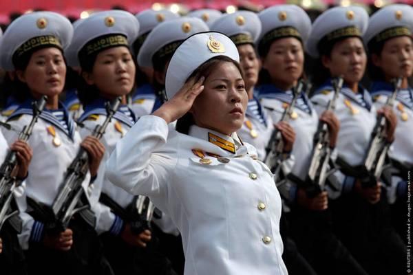 Parade_in_Pyongyang_North_Korea_17.jpg
