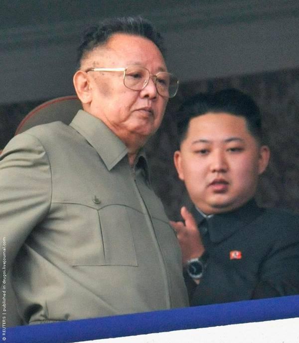 Parade_in_Pyongyang_North_Korea_3.jpg