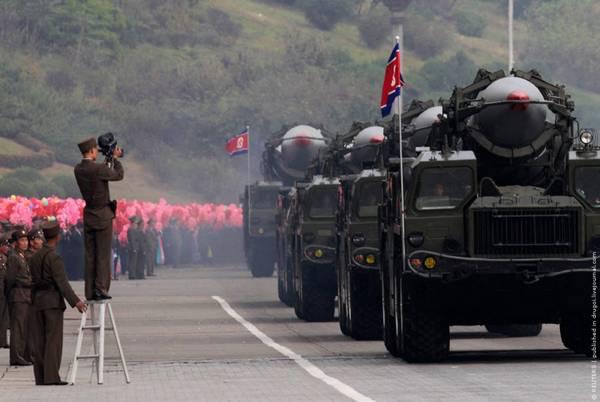 Parade_in_Pyongyang_North_Korea_7.jpg