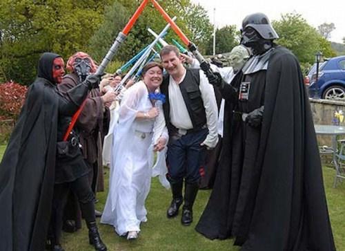 Weirdest_and_Funniest_Wedding_Costumes_18.jpg