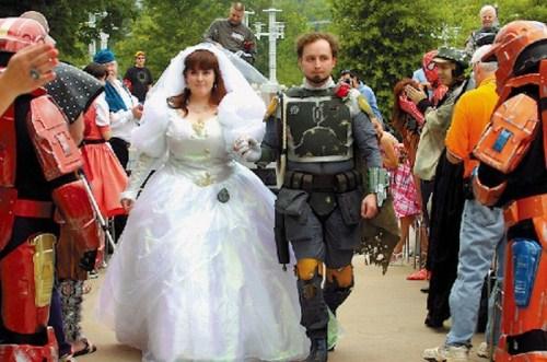 Weirdest_and_Funniest_Wedding_Costumes_20.jpg