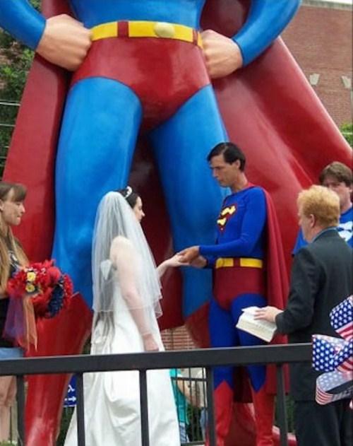 Weirdest_and_Funniest_Wedding_Costumes_25.jpg