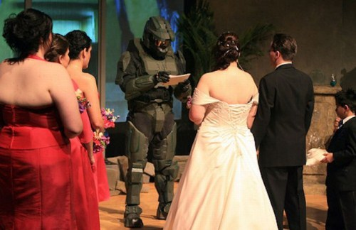 Weirdest_and_Funniest_Wedding_Costumes_26.jpg