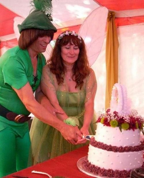 Weirdest_and_Funniest_Wedding_Costumes_28.jpg