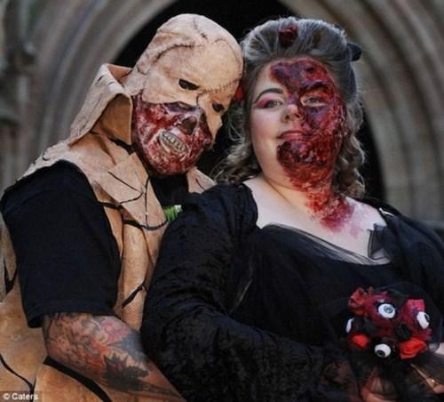 Weirdest_and_Funniest_Wedding_Costumes_4.jpg