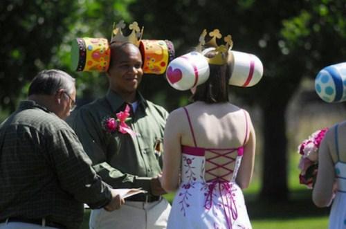 Weirdest_and_Funniest_Wedding_Costumes_5.jpg