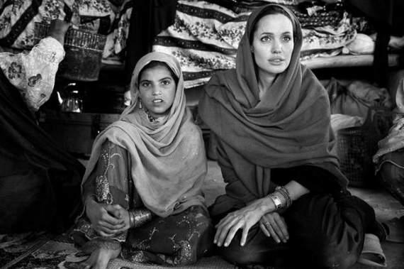 angelina-jolie-in-afghanistan03.jpg
