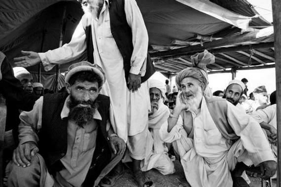 angelina-jolie-in-afghanistan04.jpg