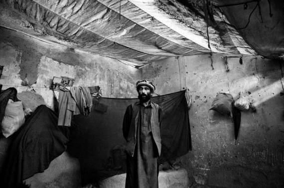 angelina-jolie-in-afghanistan05.jpg