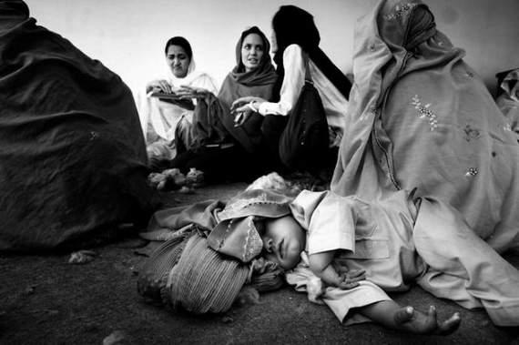 angelina-jolie-in-afghanistan10.jpg