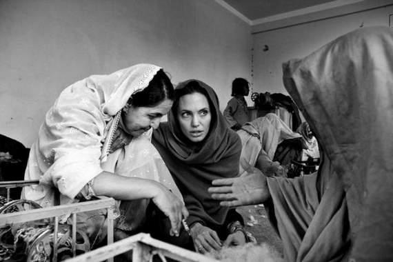 angelina-jolie-in-afghanistan12.jpg