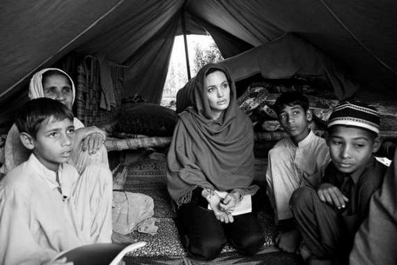 angelina-jolie-in-afghanistan14.jpg