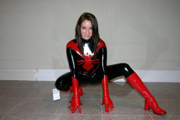 hot-girls-in-spiderman-costumes10.jpg