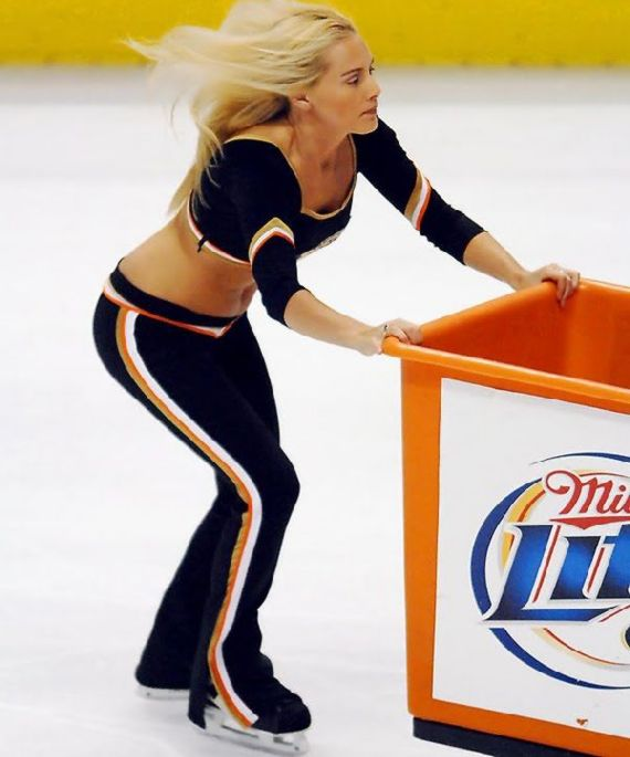 ice-crew-girls13.jpg