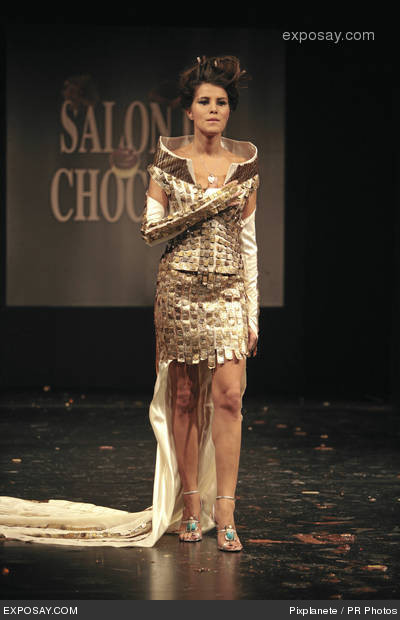 karine-ferri-13th-edition-of-the-paris-chocolate-show-wbLJFv.jpg