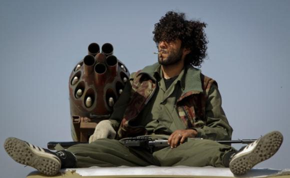 unique_madmax_type_libyan_rebel_fighter_weapons_640_11.jpg