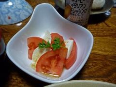 トマトとモッツァレラのカプ