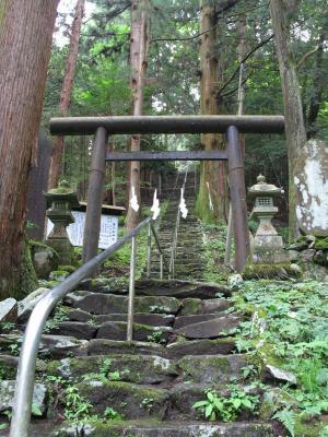 軍刀利神社3