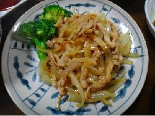 細切り肉と玉ねぎの炒め物