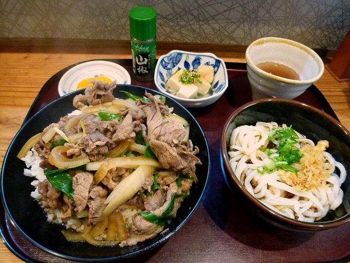 孝助肉丼1
