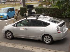 カメラ搭載車
