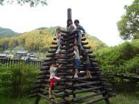 木製の塔登り
