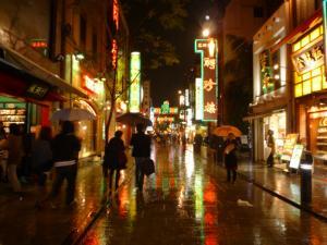 大雨の中華街
