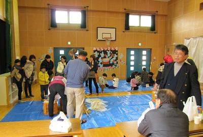 杜の里児童館放課後児童クラブの10周年の餅つき大会