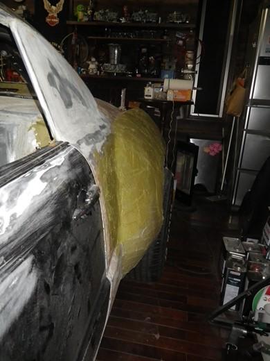 継接ぎ板金のパテ作業 (1)