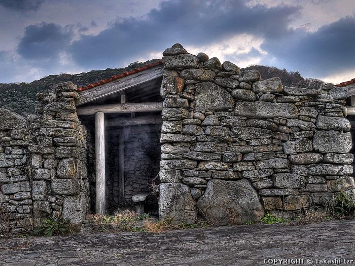 対馬の藻小屋