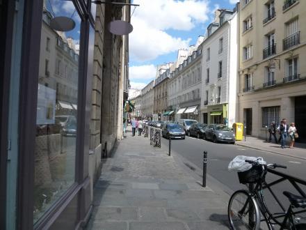 パリ111