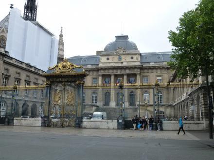 パリ174
