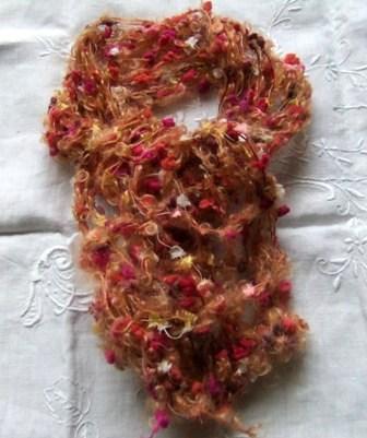 指編みの襟巻き