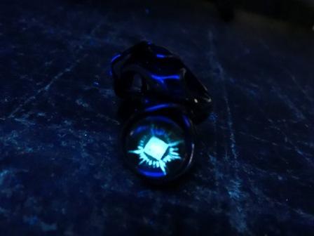TAUJANロゴリング ブラックライト