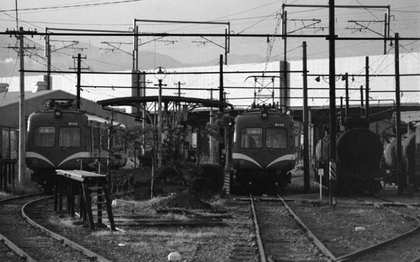 岳南江尾駅構内(1980年代前半)