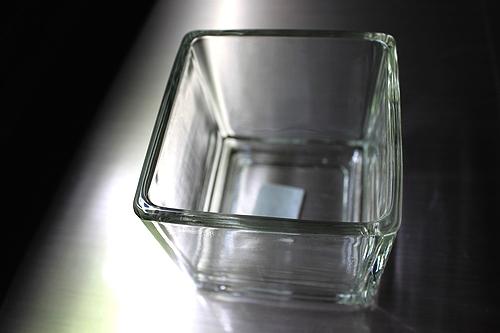 ガラスコンテナ