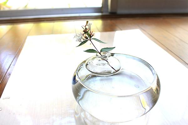 フローティングガラス1